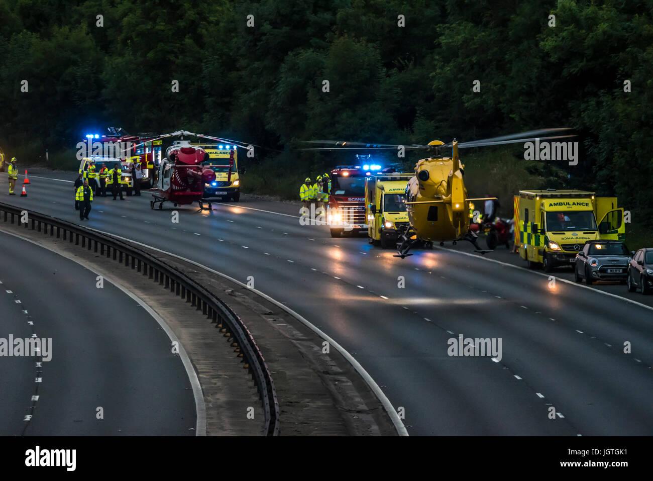 accident-closed-m11-bishops-stortford-harlow-essex-three-people-taken-JGTGK1.jpg