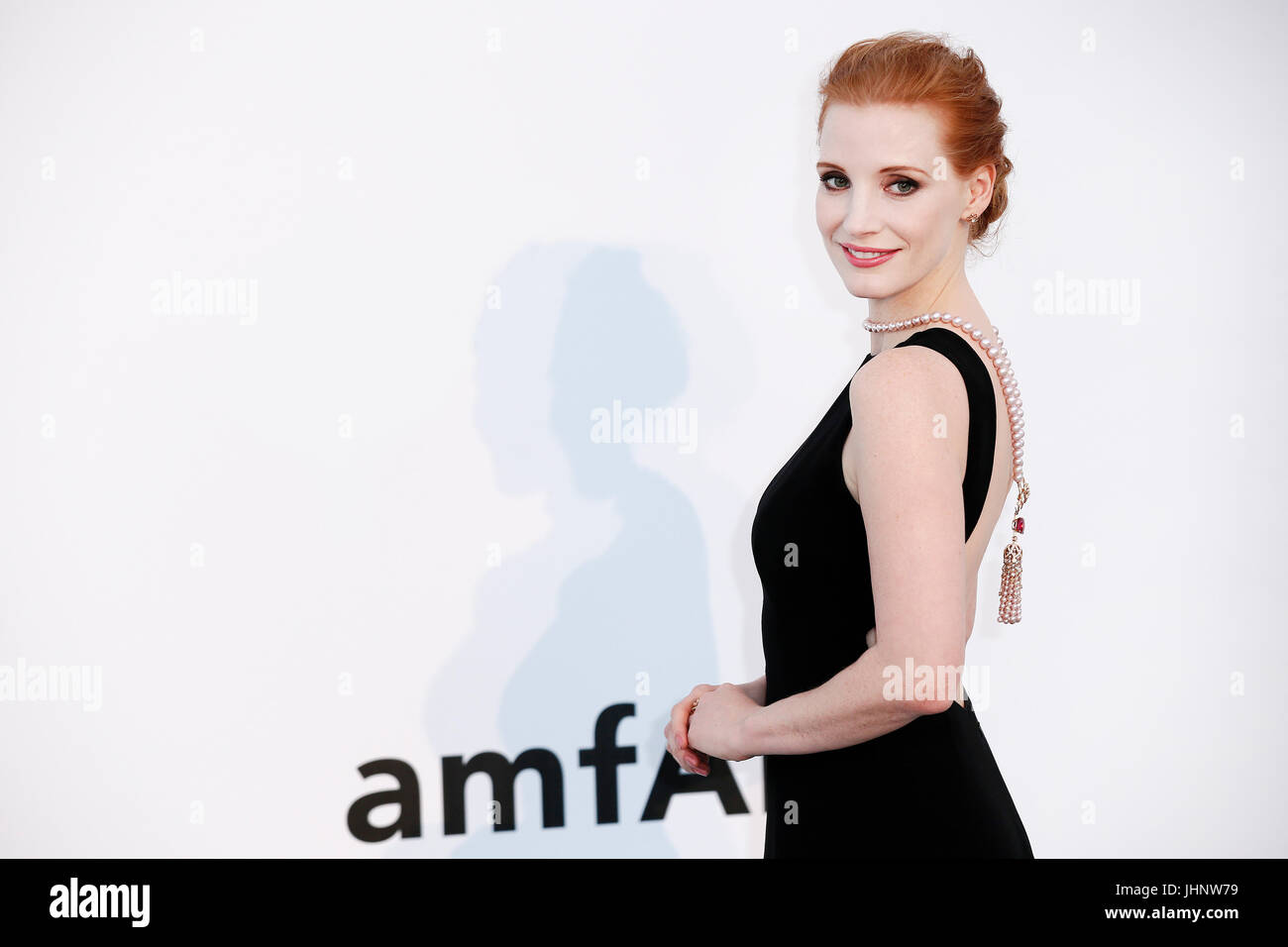 CAP D'ANTIBES, FRANCE - MAY 25: Jessica Chastain arrives at the amfAR Gala Cannes 2017 at Hotel du Cap-Eden-Roc Stock Photo