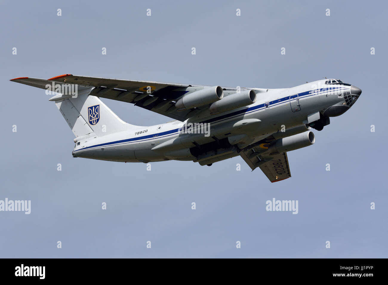 ilyushin-il-76-candid-transport-plane-of-the-ukrainian-air-force-departing-JJ1PYP.jpg