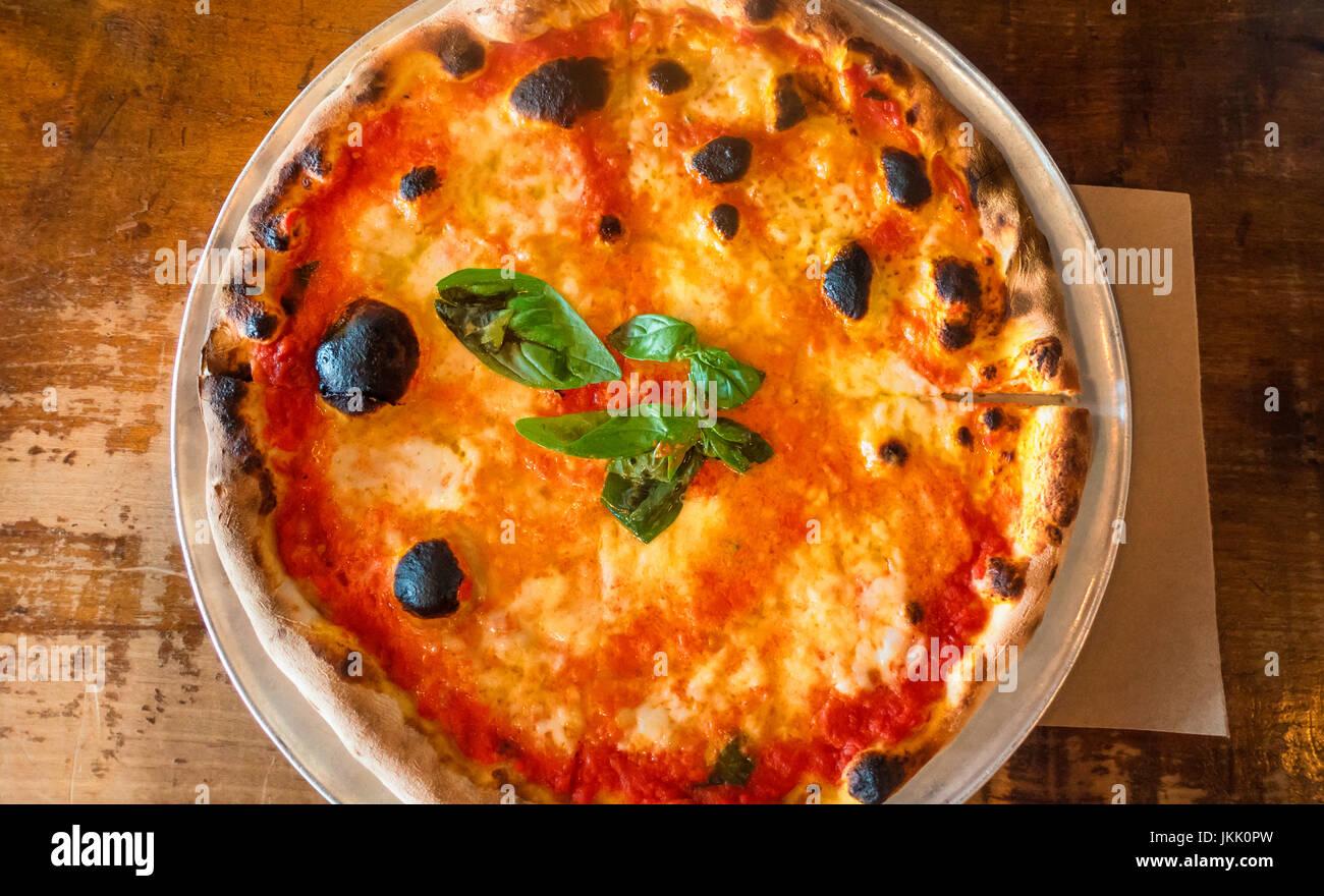 pizza-margharita-a-classic-neapolitan-pi
