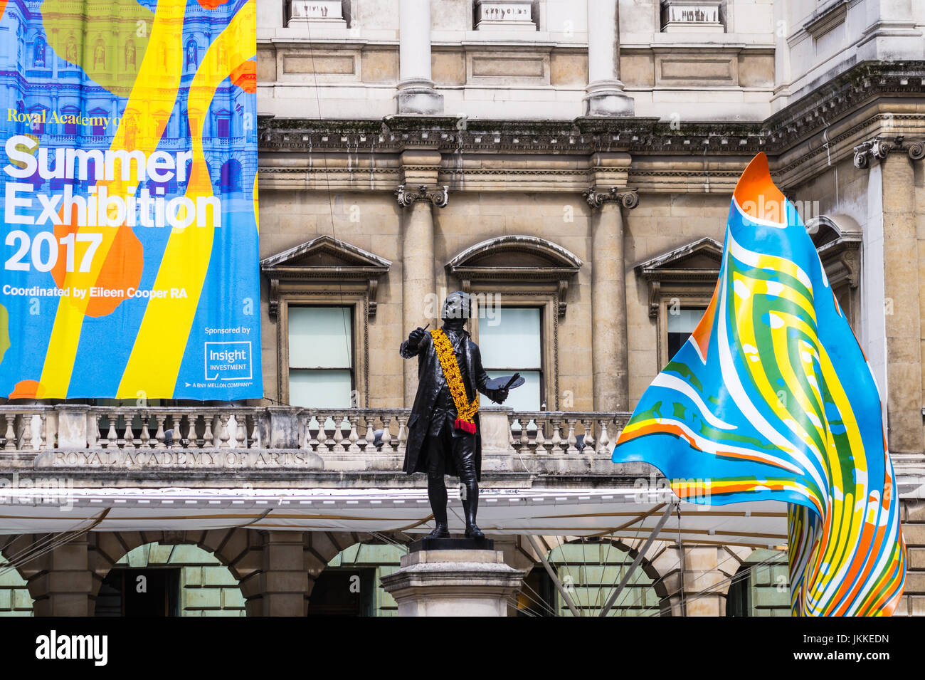 statue-of-joshua-reynolds-summer-exhibition-2017-banner-wind-sculpture-JKKEDN.jpg