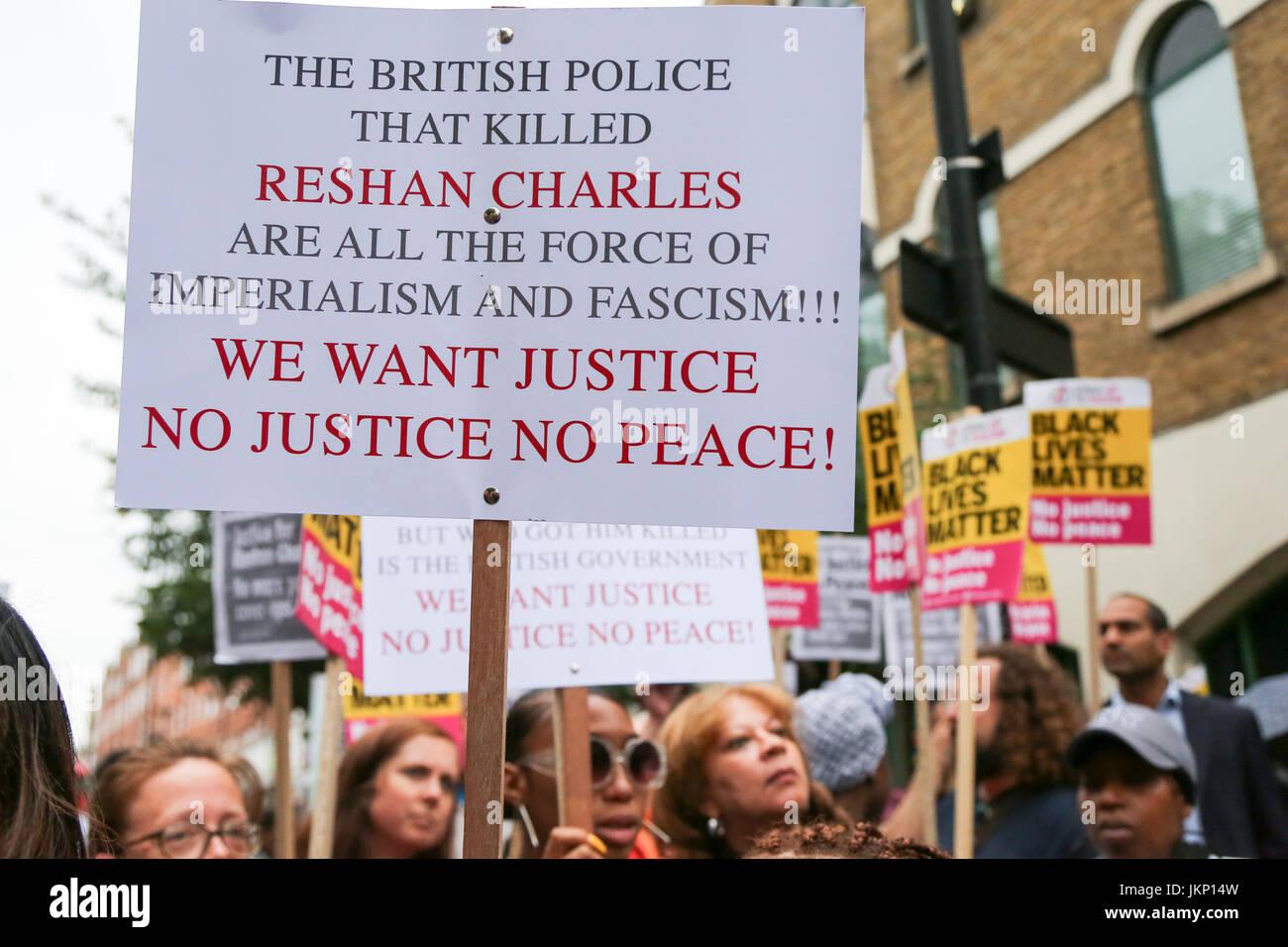 Stoke Newington Police Station. Hackney. London, UK. 24th July, 2017. Campaigners holds a vigil outside Stoke Newington Stock Photo