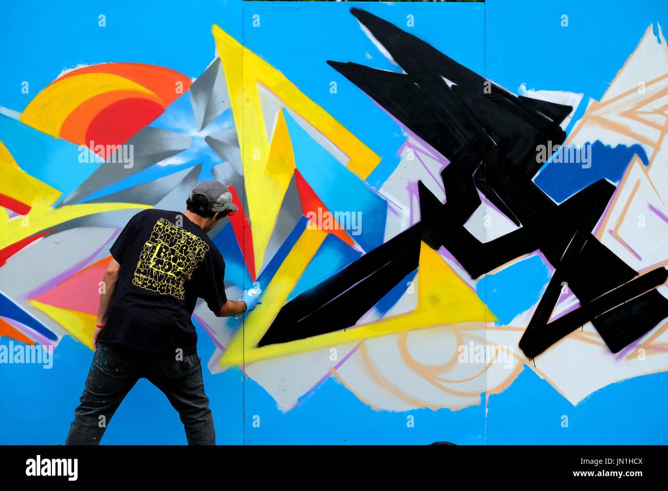 bristol-uk-29th-july-2017-a-grafitti-art