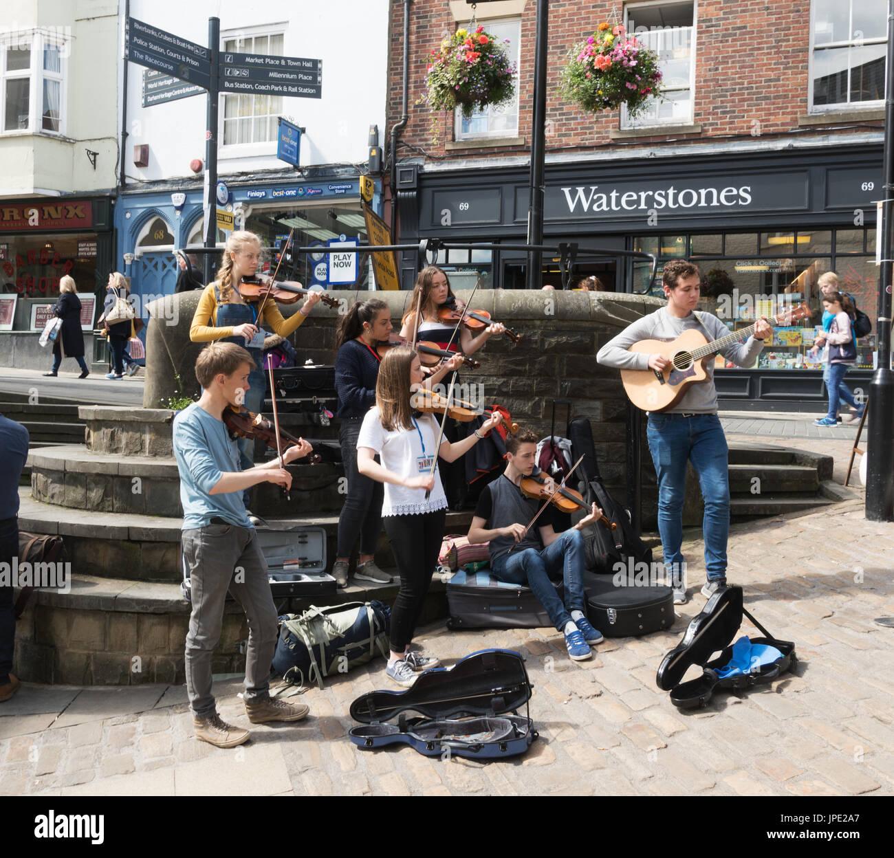 young-folk-musicians-play-at-durham-folk-party-durham-city-north-east-JPE2A7.jpg