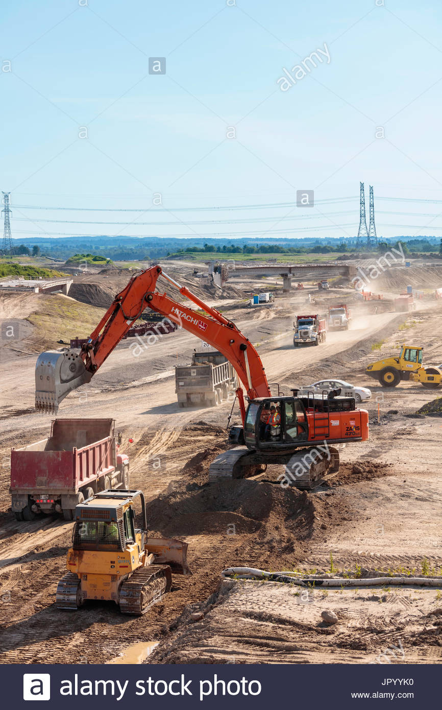 highway-407e-construction-excavator-truc