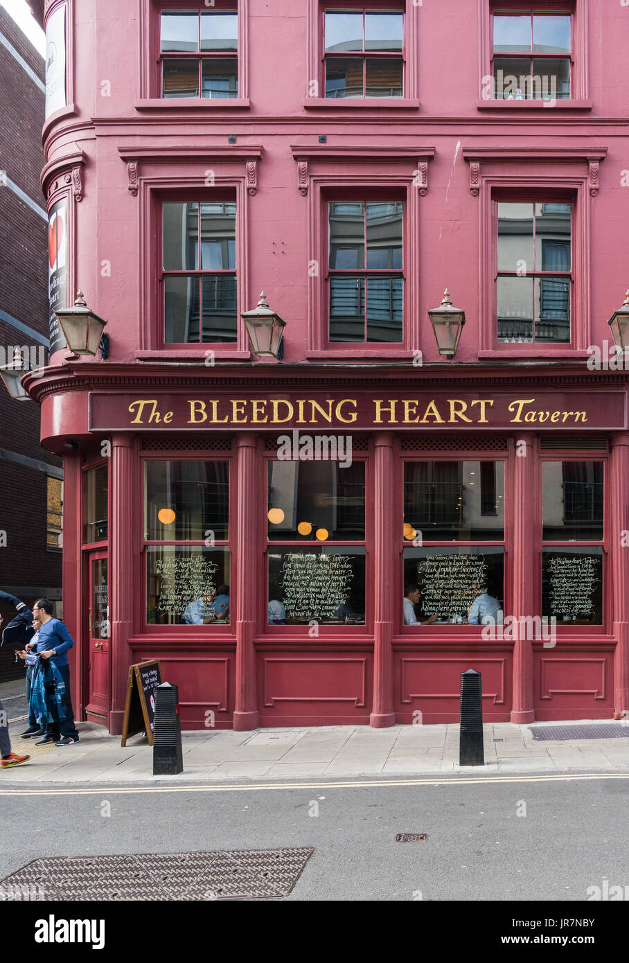 The Bleeding Heart Tavern, Greville Street, Farringdon, London Stock Photo