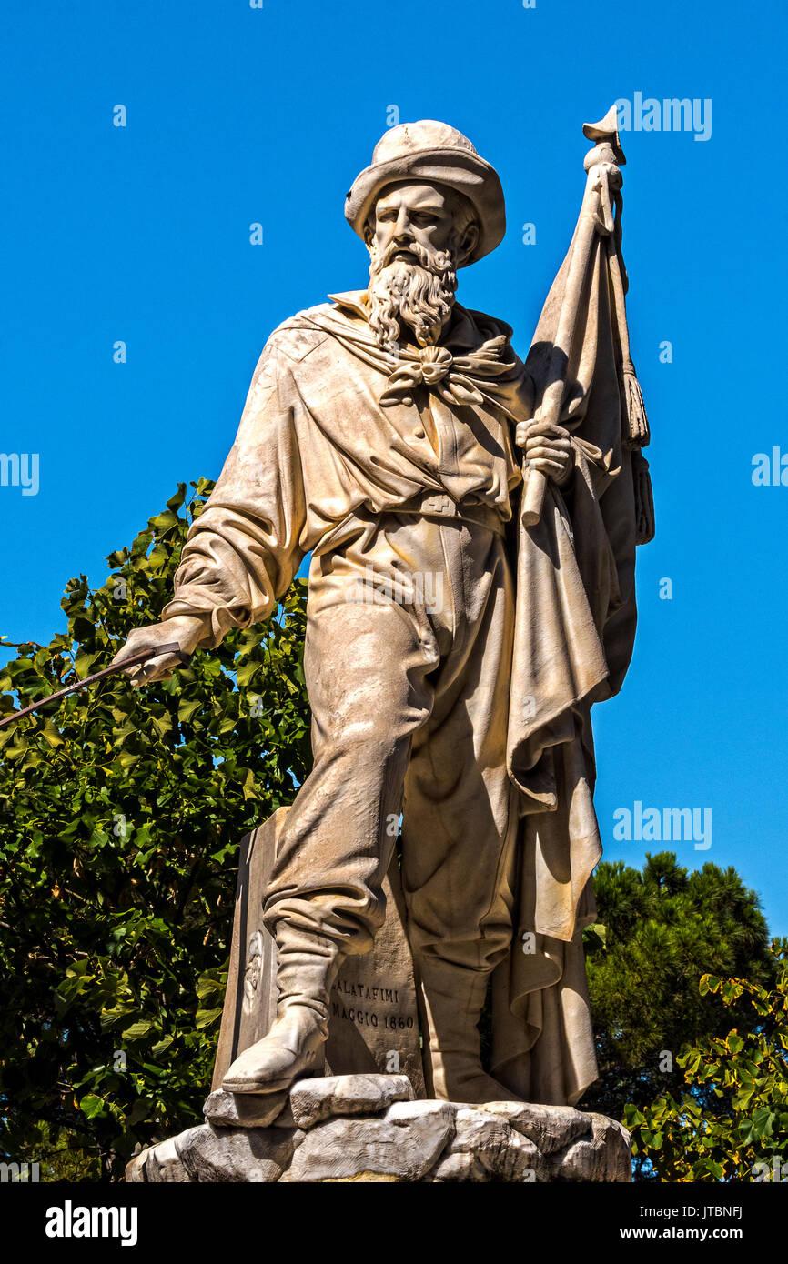 Italy Liguria Camogli - Statue of Simone Schiaffino (participant to the shipment of a thousand) - Stock Image
