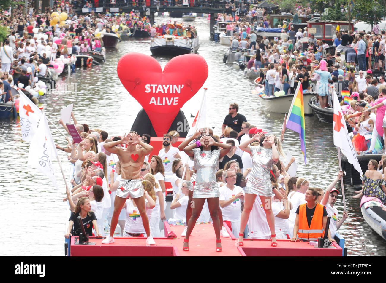 gey-parad-v-amsterdame-2017