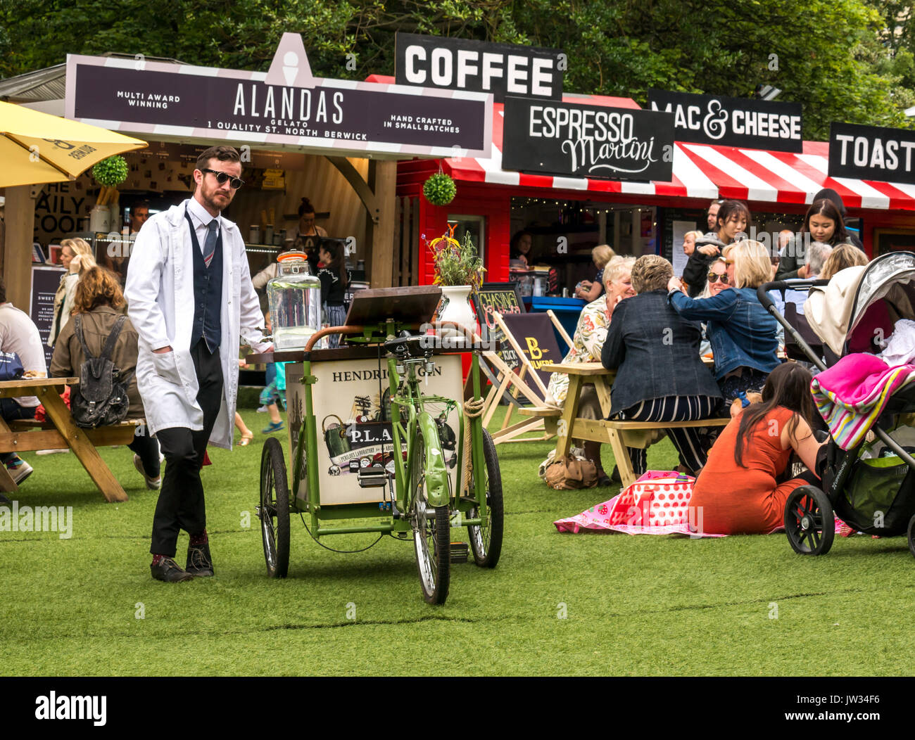 hendricks-gin-trolley-assembly-gardens-g