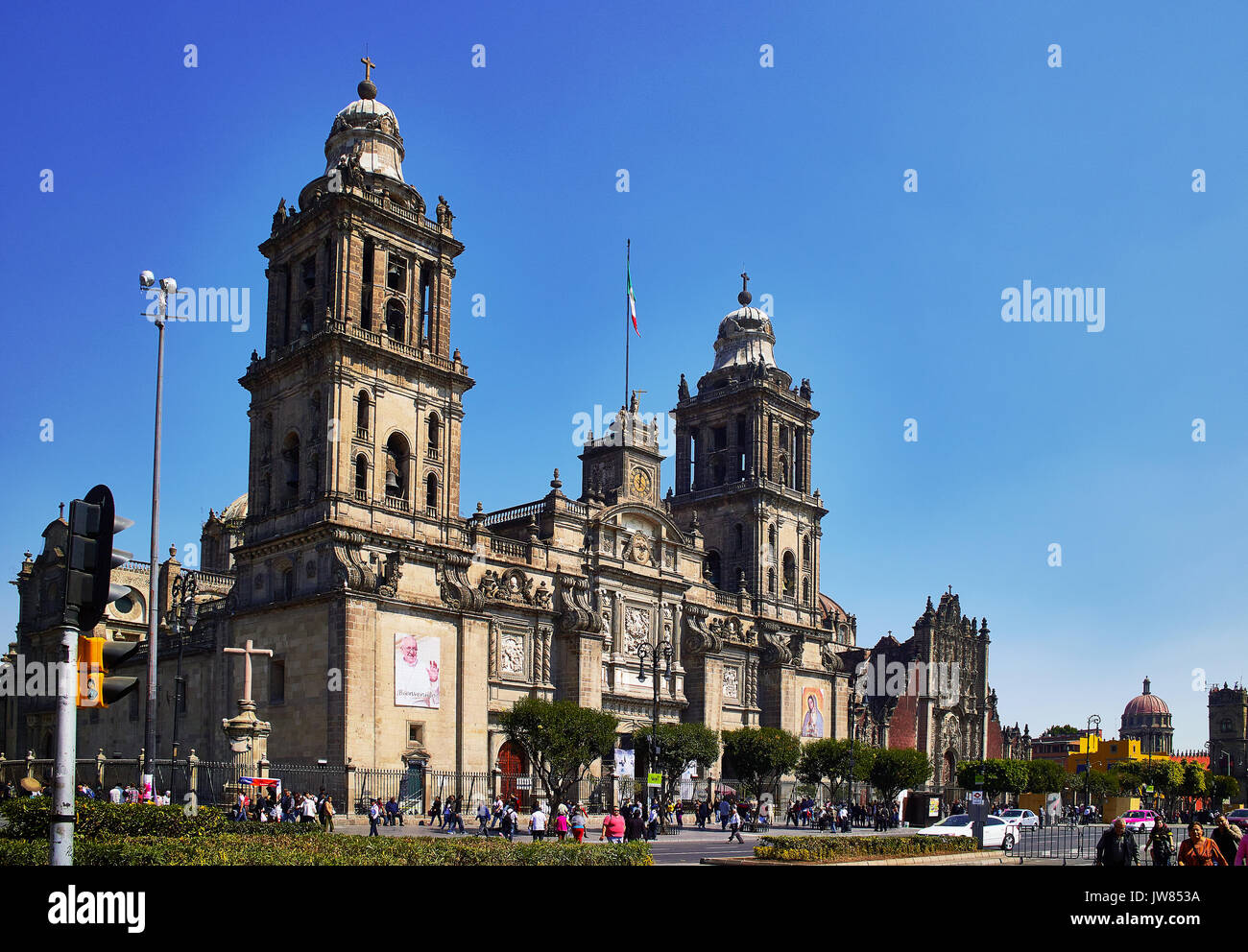 America; Mexico; Mexico City; Historical Center; The Zocalo o Constitution square; the cathedral and the Sagrario - Stock Image