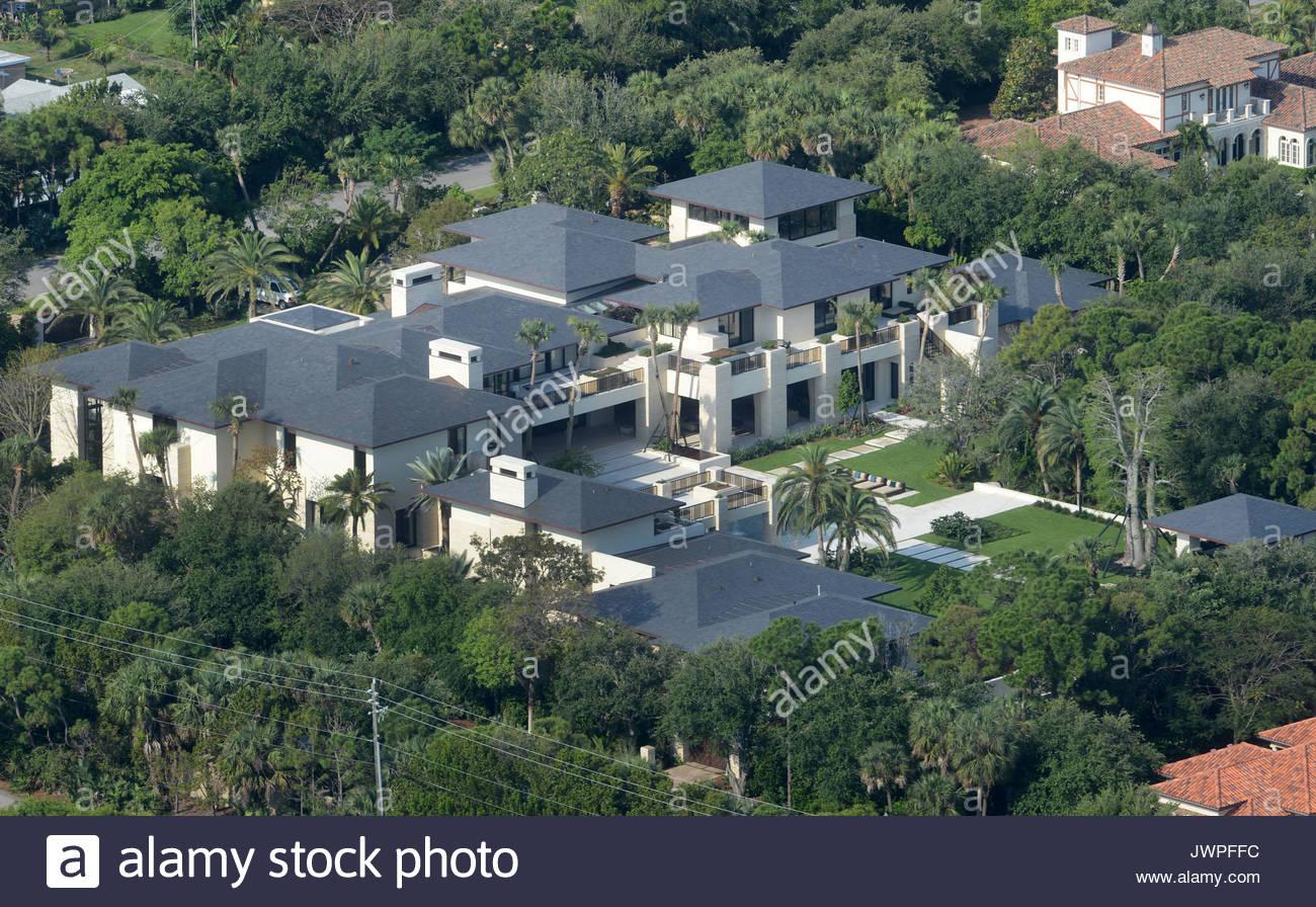 Michael Jordan S Home In Jupiter Florida Pictures Taken On Stock