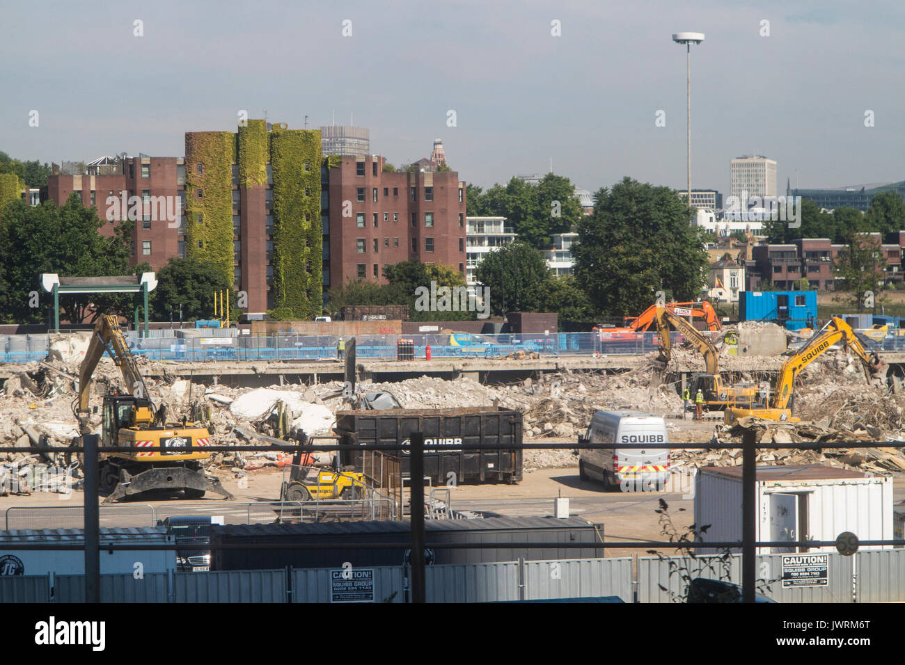 The removal of the New Covent Garden Fruitt, vegetable and flower market - Stock Image
