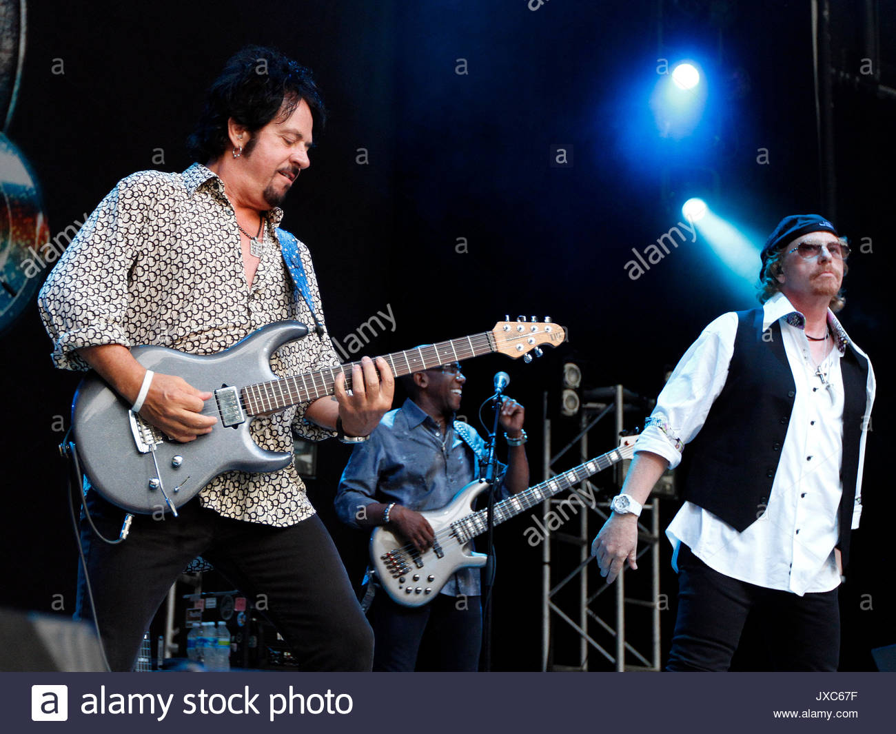 Steve Lukather and Nathan East, Joseph Williams. ADM TOTOGA DH 051 ...
