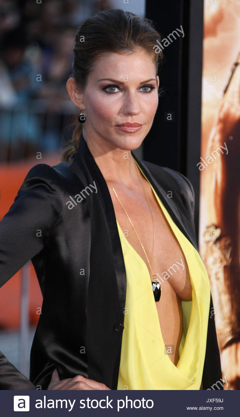 Tricia Helfer Premiere Of Universal Pictures Riddick At Mann Village Theatre On August 28 2013 In Westwood California