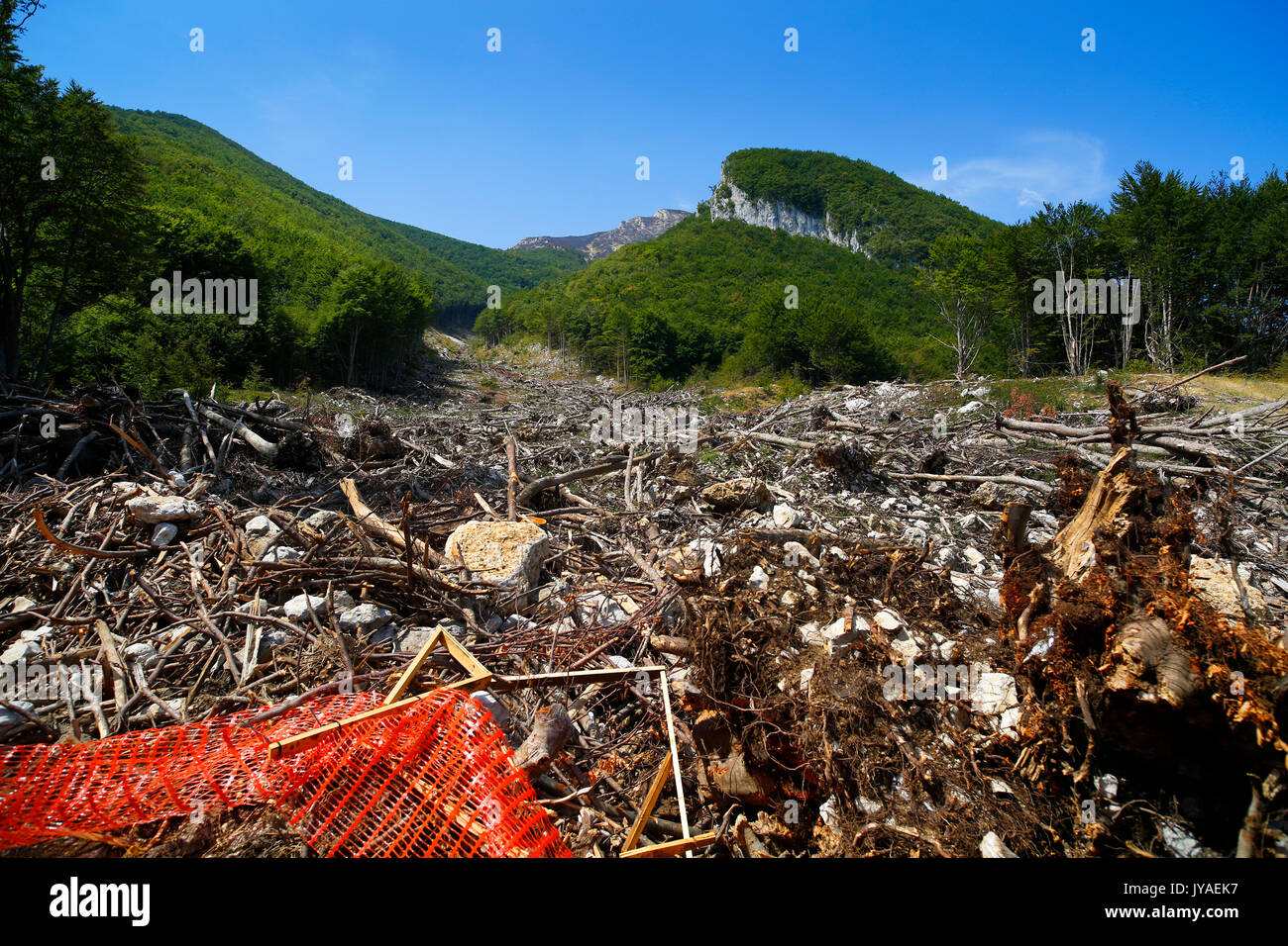 The trail of destruction leading to Hotel Rigopiano near Farindola in Italy, after an avalanche destroyed the hotel - Stock Image