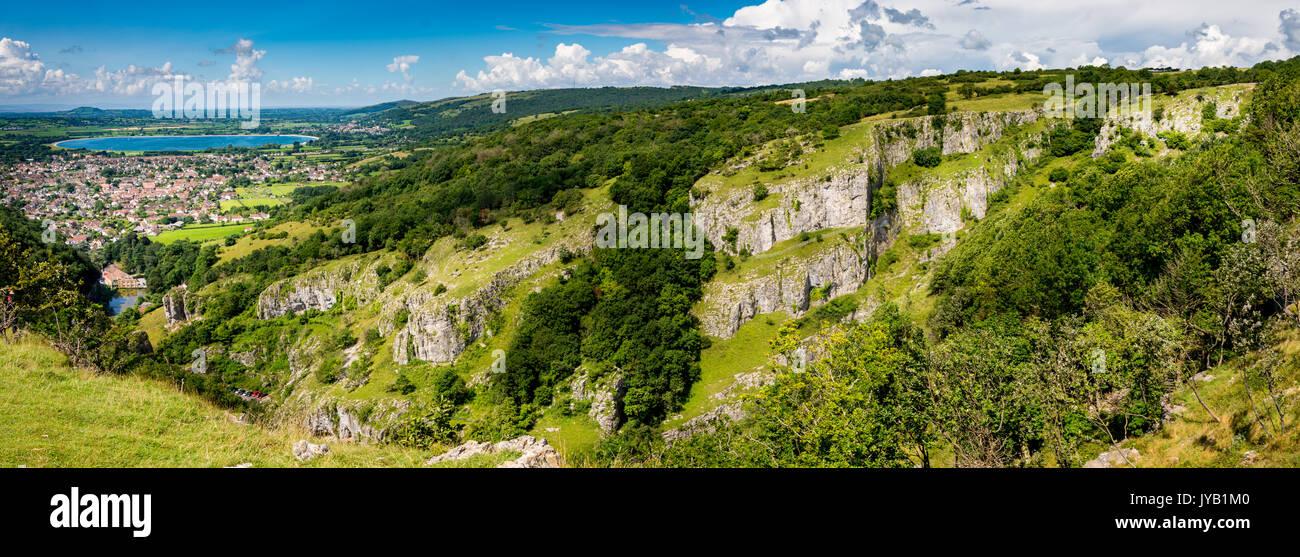a-view-on-top-of-cheddar-gorge-in-cheddarunited-kingdom-JYB1M0.jpg