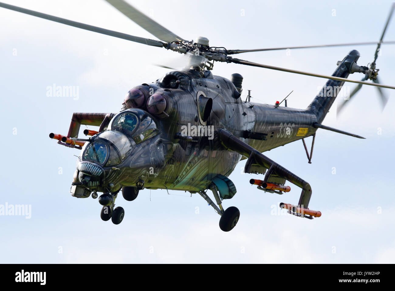 mil-mi-24-mi-35-hind-gunship-attack-helicopter-of-czech-air-force-JYW2HP.jpg