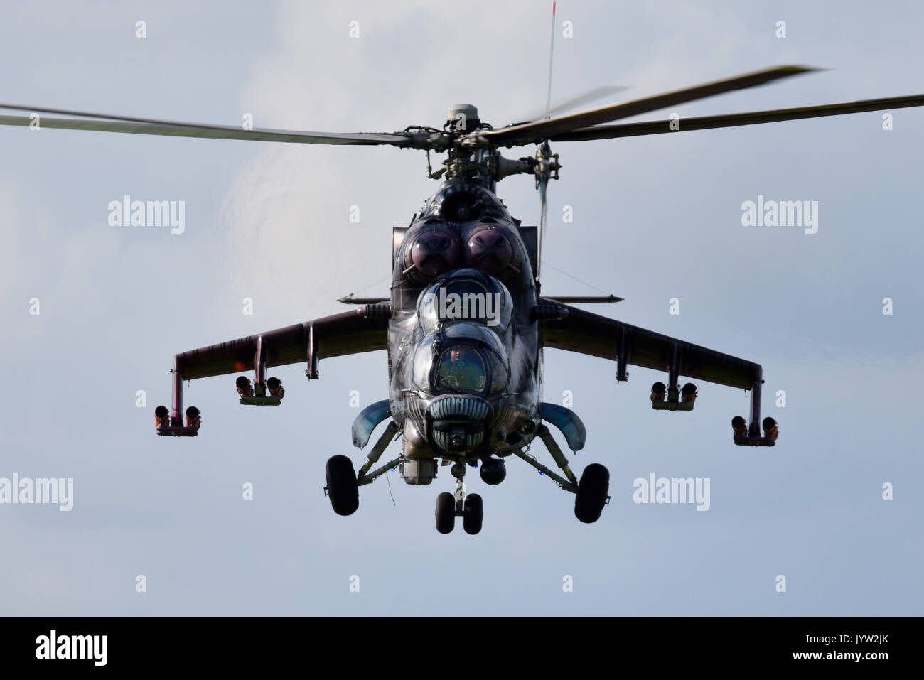 mil-mi-24-mi-35-hind-gunship-attack-helicopter-of-czech-air-force-JYW2JK.jpg