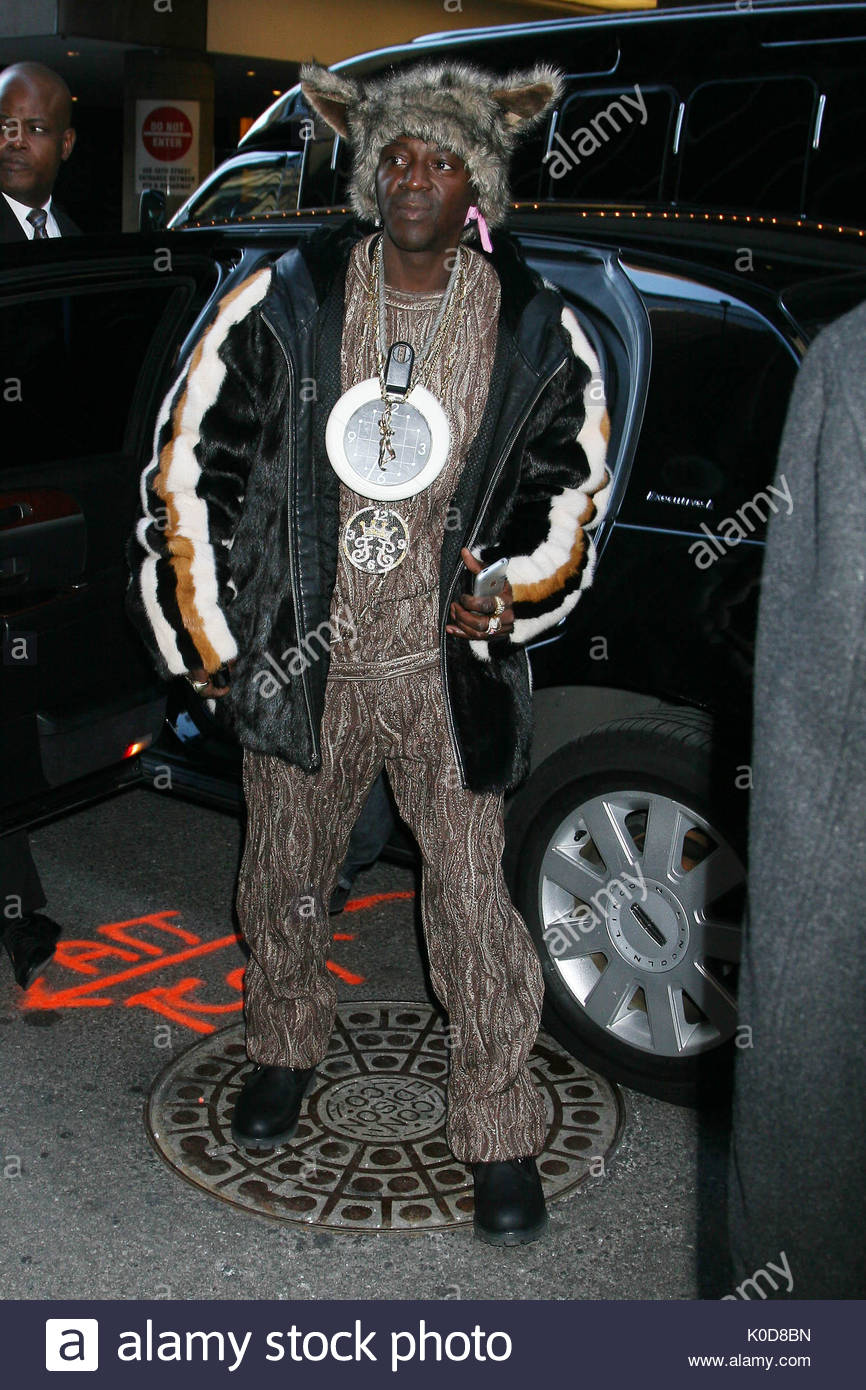 flava flav. flava flav and snoop dogg visit mtv''s trl in nyc stock