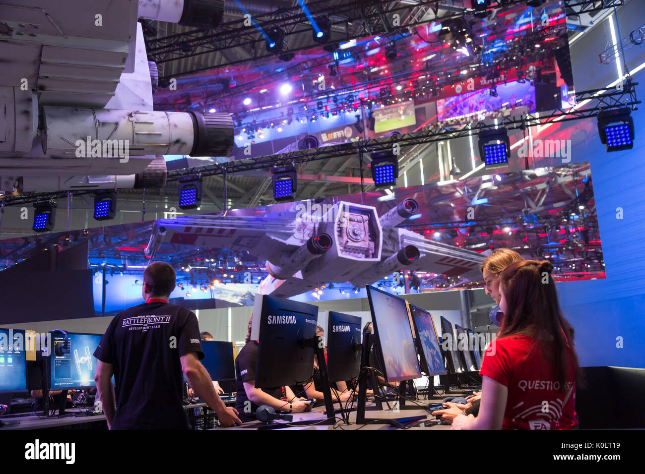 Cologne, Germany. 22nd Aug, 2017. Germany, Cologne, August 22, 2017, Gamescom: Players at the booth of Star Wars - Stock Image