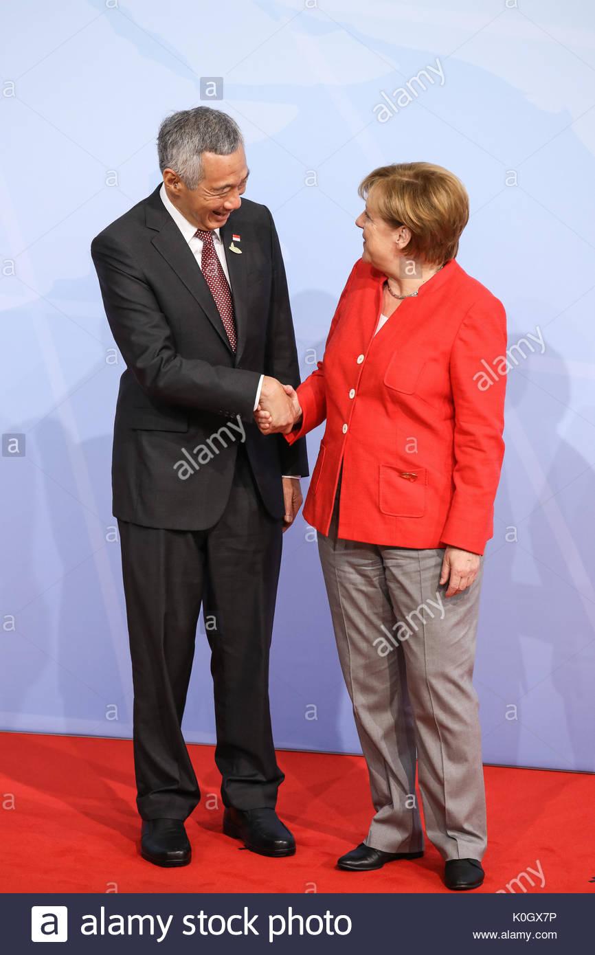 Lee Hsien Loong, Premierminister von Singapur wird beim Defilee / Empfang mit Bundeskanzlerin Angela Merkel. G20 - Stock Image