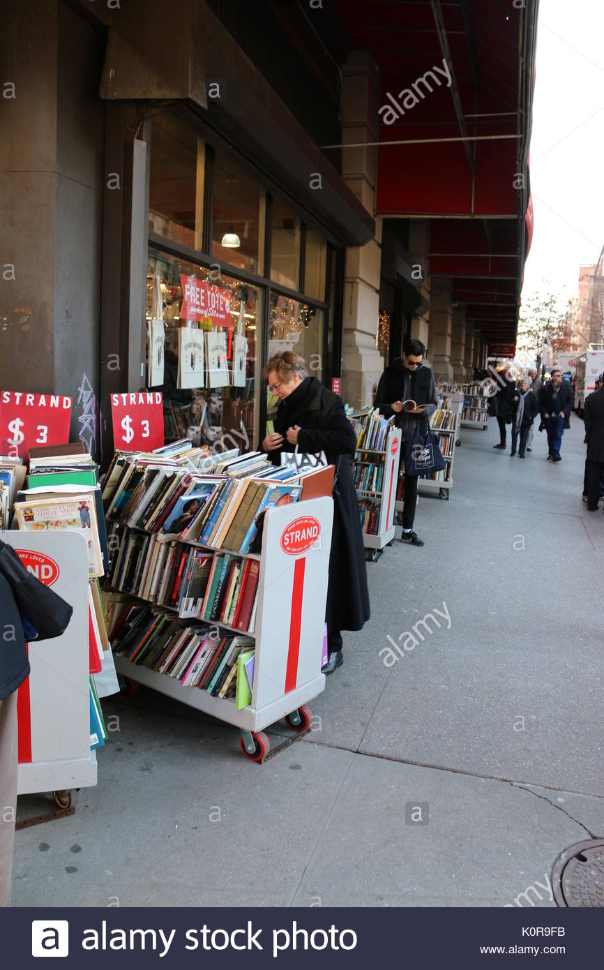 Customers at Strand Bookstore on December 23, 2013 in New York City. - Stock Image