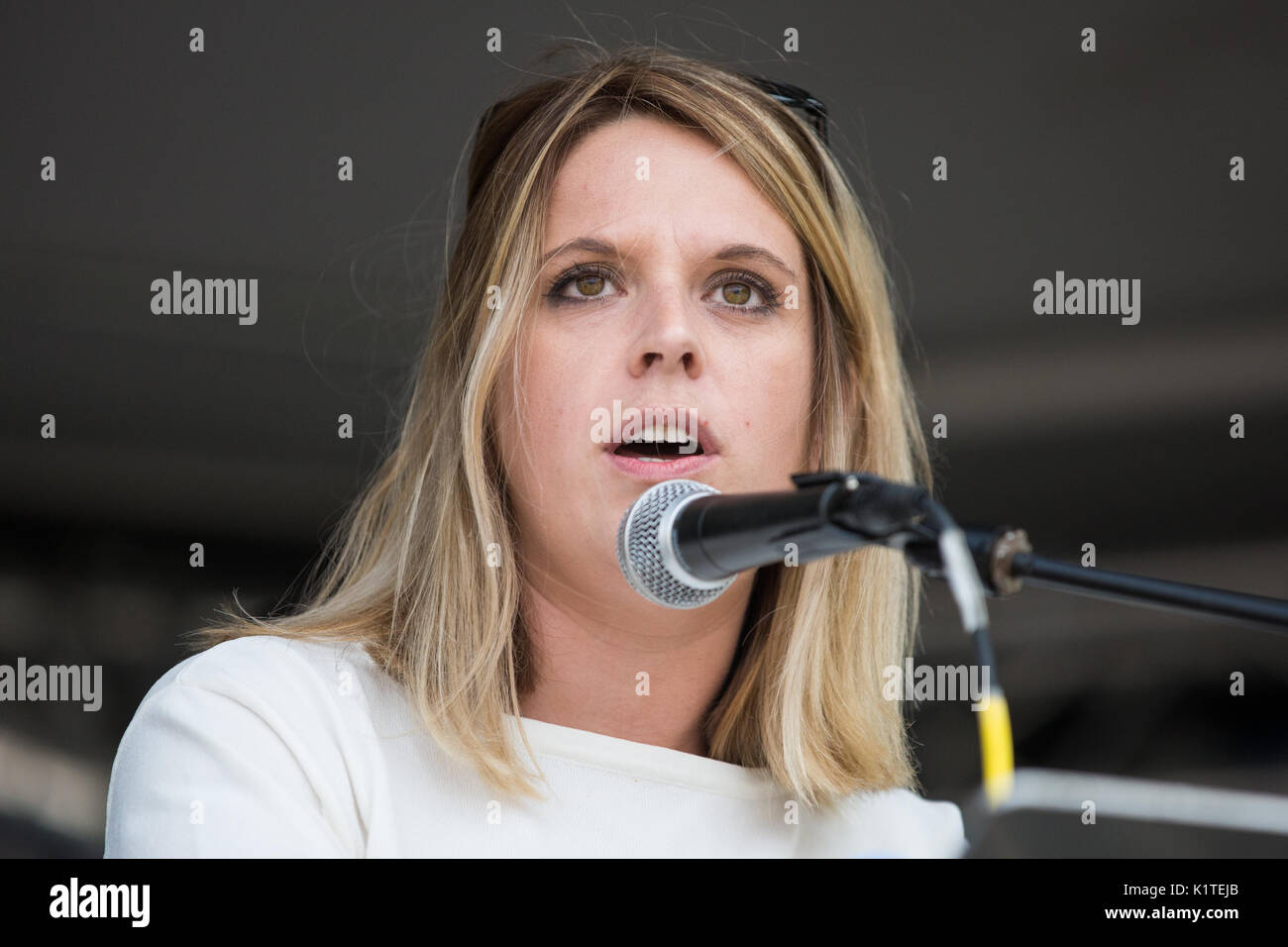 London, UK. 16th July, 2017. Laura Smith, Labour MP for Crewe and Nantwich, addresses campaigners against cuts to - Stock Image