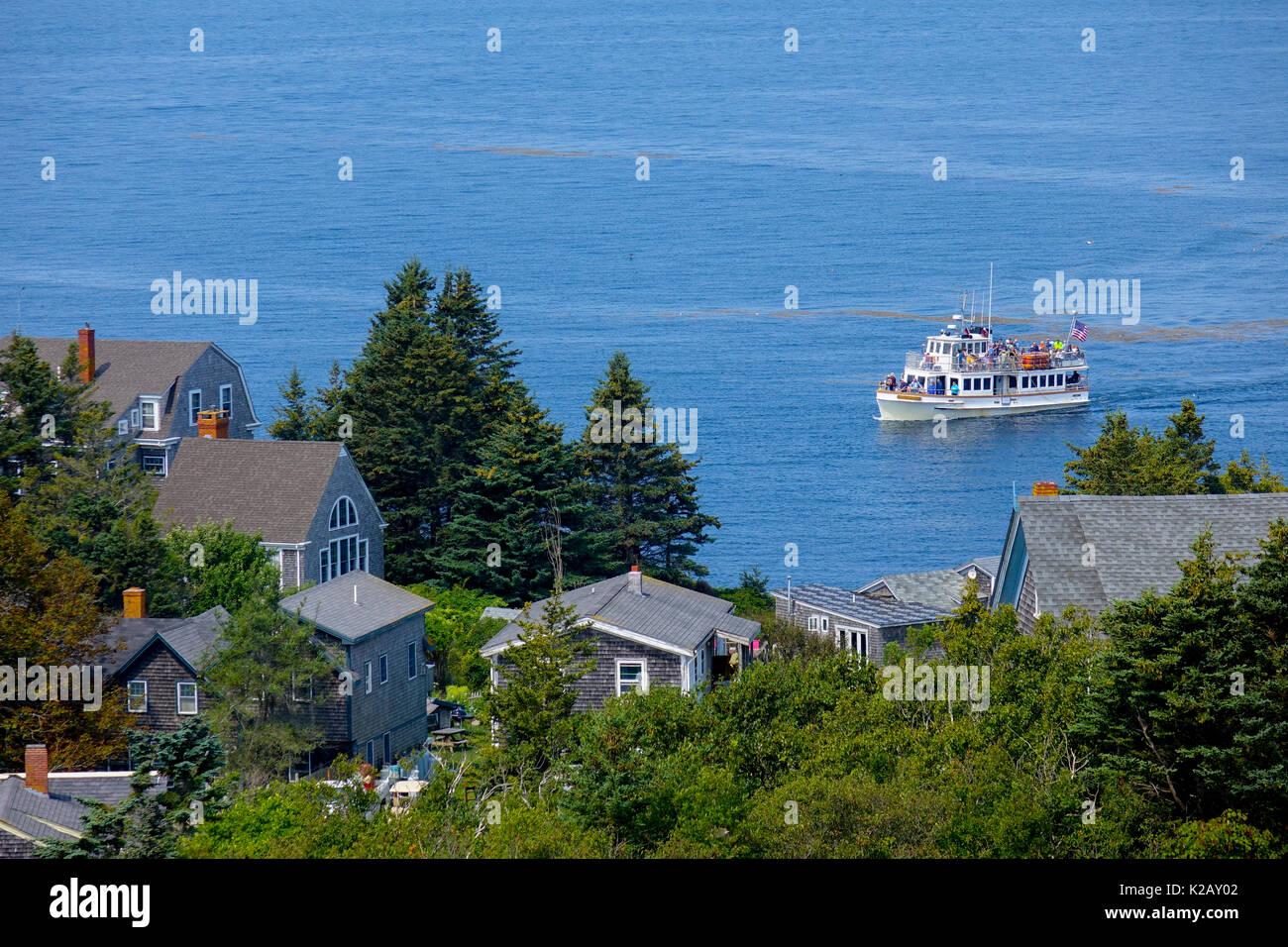 usa-maine-me-monhegan-island-in-penobscot-bay-in-the-atlantic-ocean-K2AY02.jpg