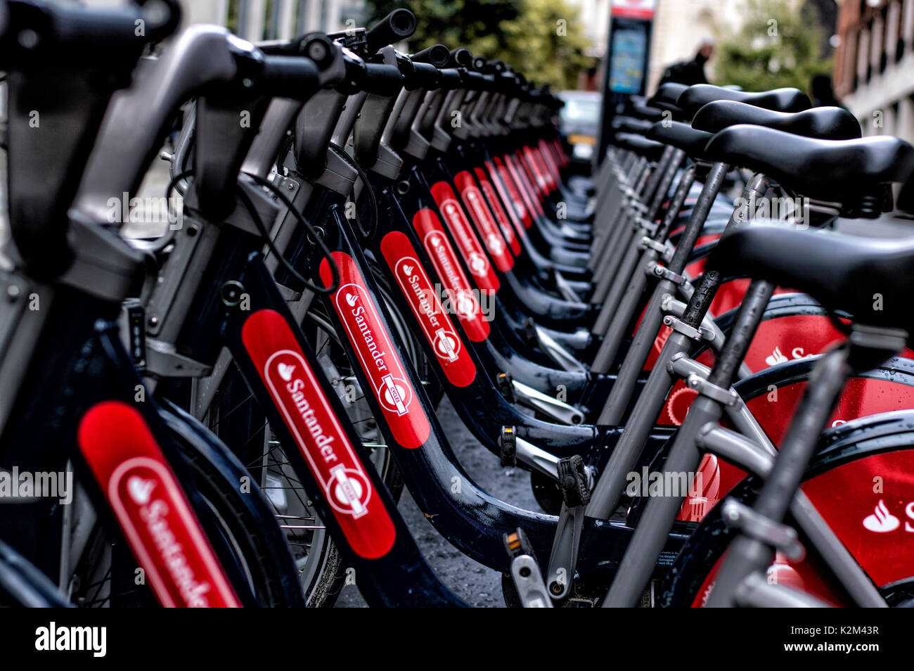 santander-bike-dock-in-london-K2M43R.jpg