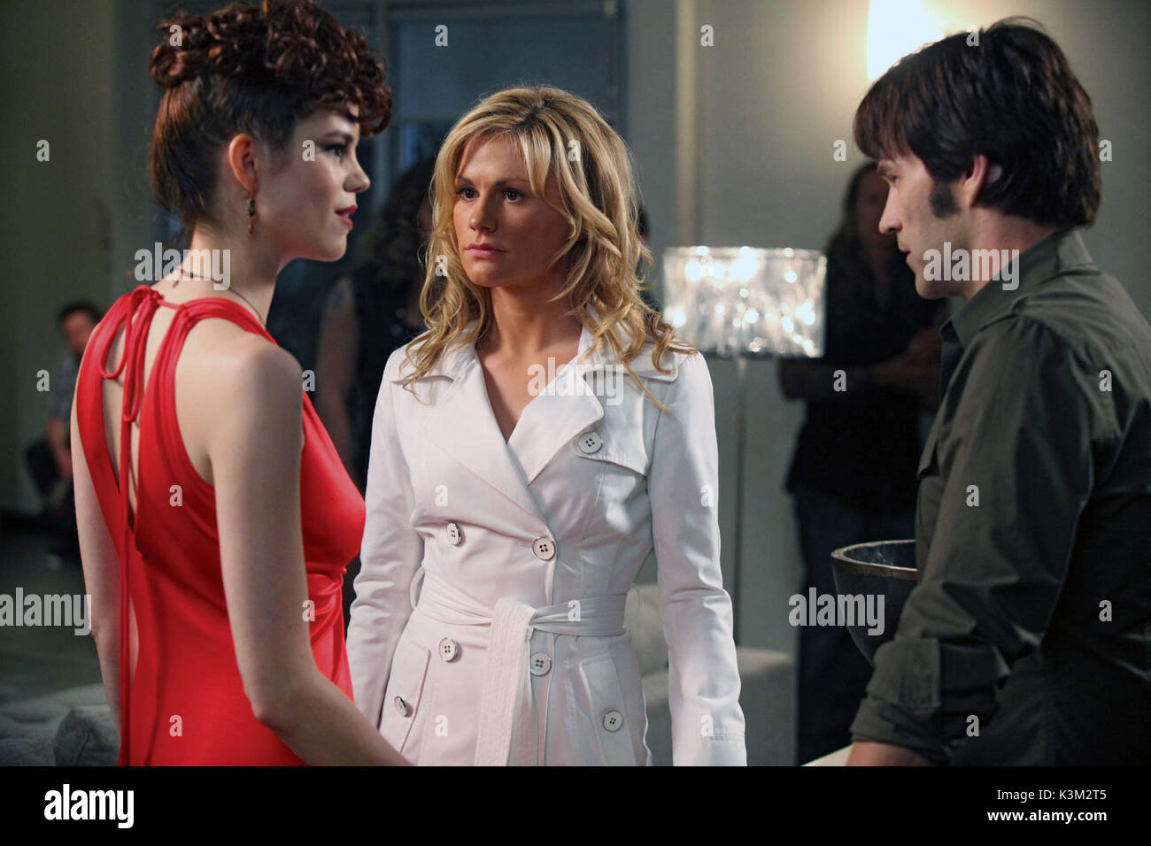TRUE BLOOD Series,2 / Episode,8 / Timebomb MARIANA KLEWENO as Lorena, STEPHEN MOYER as BIll Compton, ANNA PAQUIN - Stock Image