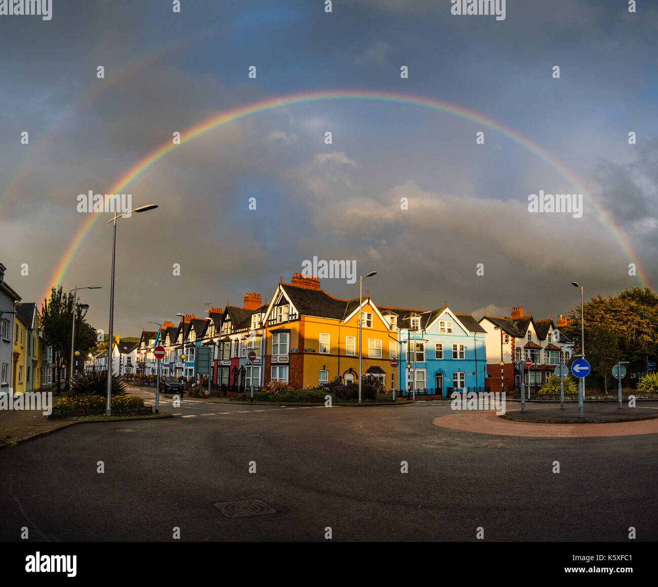 Aberystwyth Wales UK, Sunday 10 September 2017 UK Weather: As the strong wnds continue, a rainbow appears briefly Stock Photo