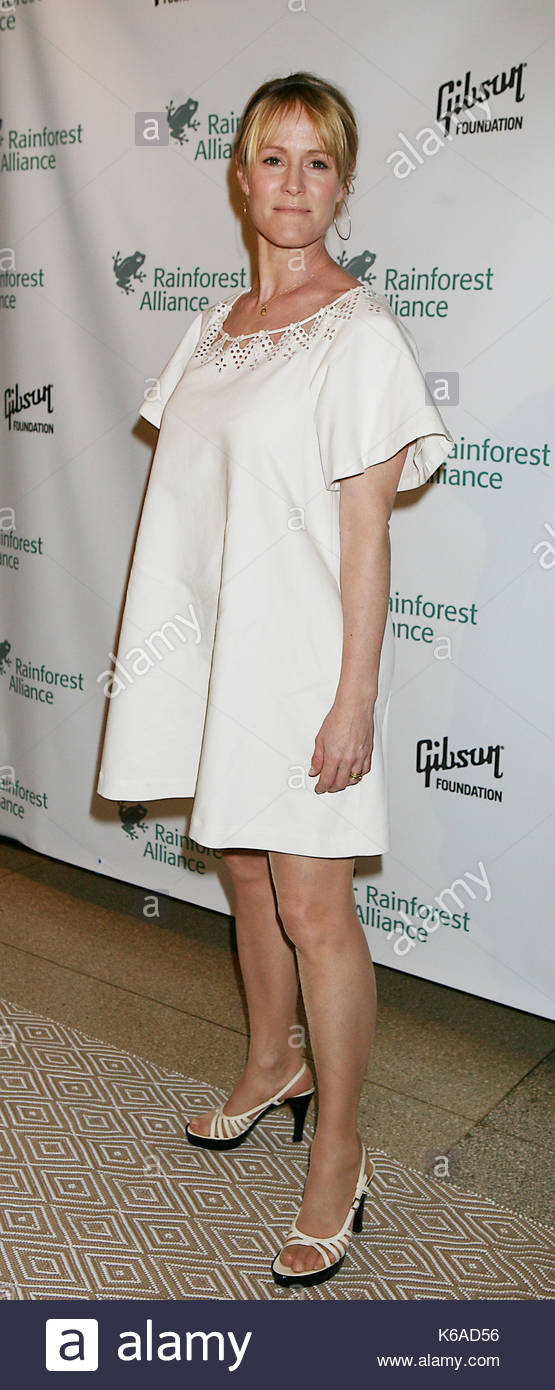 Mary Stuart Masterson. Gisele Bündchen hosts the Rainforest Alliance Gala at The Museum of Natural History in New Stock Photo