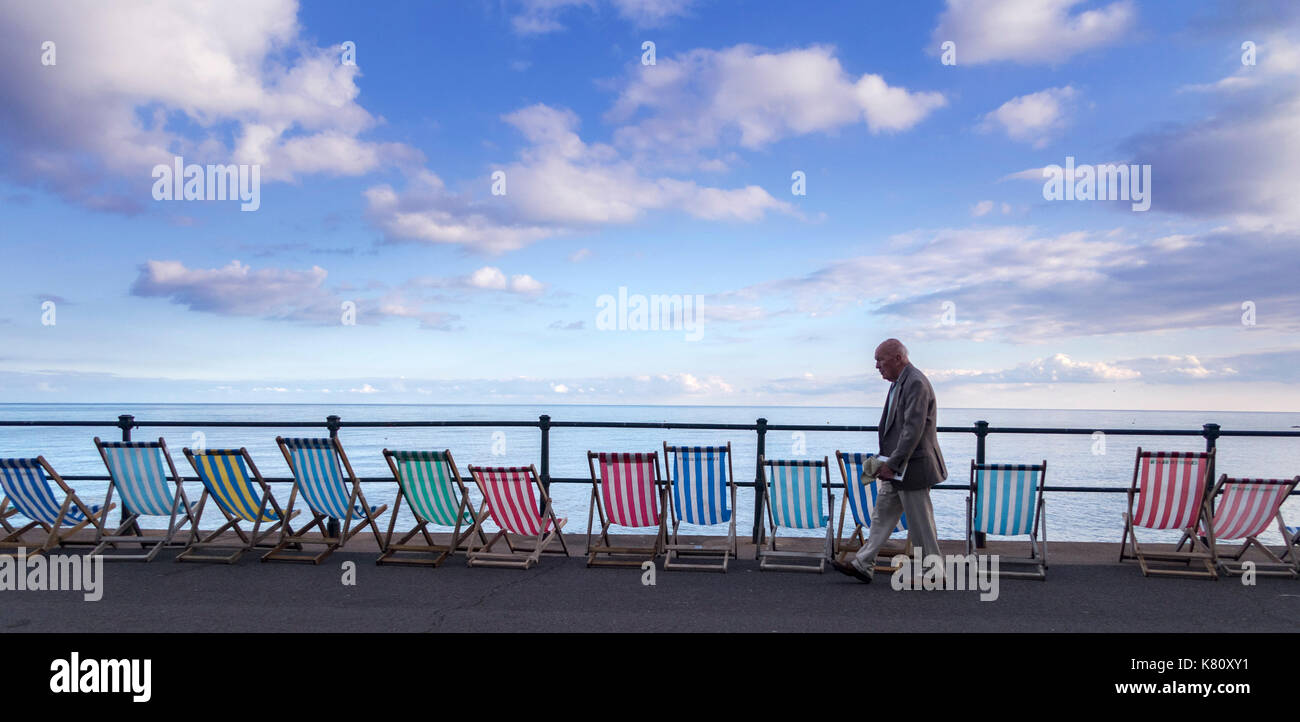 Sidmouth, 17th Sept 2017. A beautiful close to a beautiful day on the Esplanade at Sidmouth. Photo Central/Alamy Stock Photo