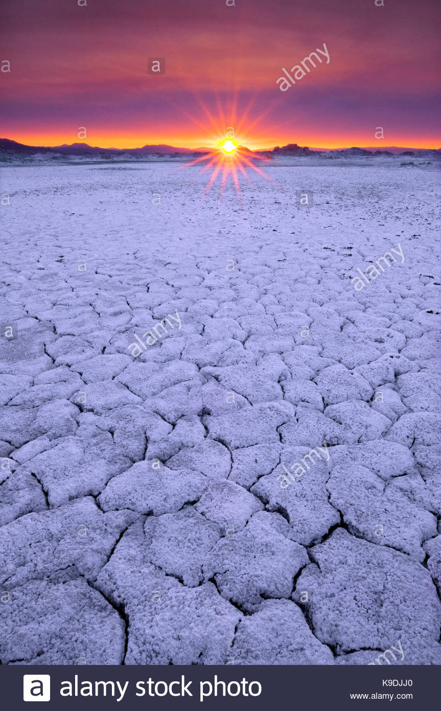 Sunrise on the North Shore of Mono Lake,Mono Basin National Forest Scenic Area, California - Stock Image