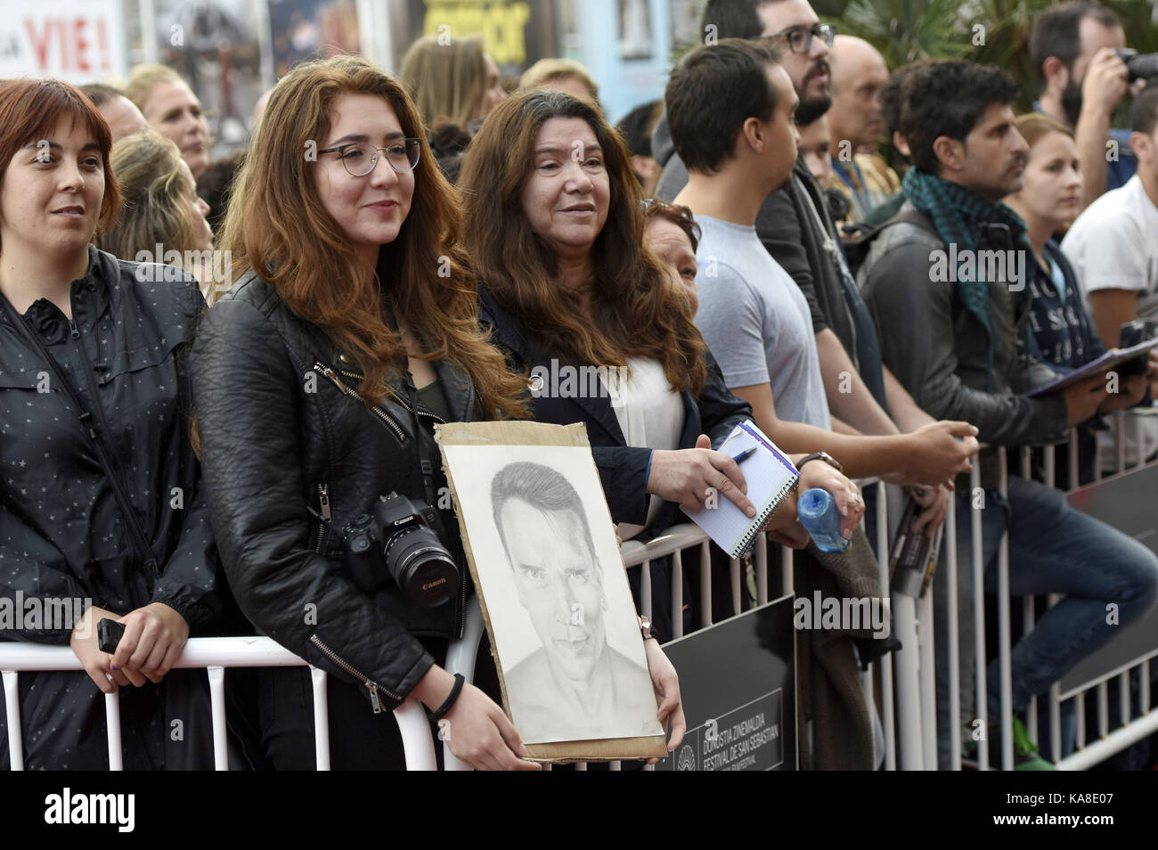 San Sebastian, Spain. 25th Sep, 2017. Fans at the 'Wonder Of The Sea 3D' premiere at the Victoria Eugenia - Stock Image