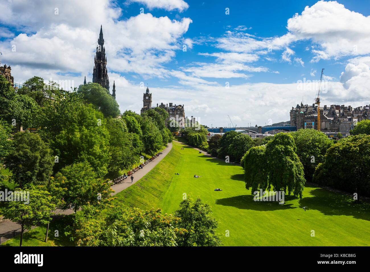 View over Princes Street Gardens, Edinburgh, Scotland, United Kingdom, Europe - Stock Image