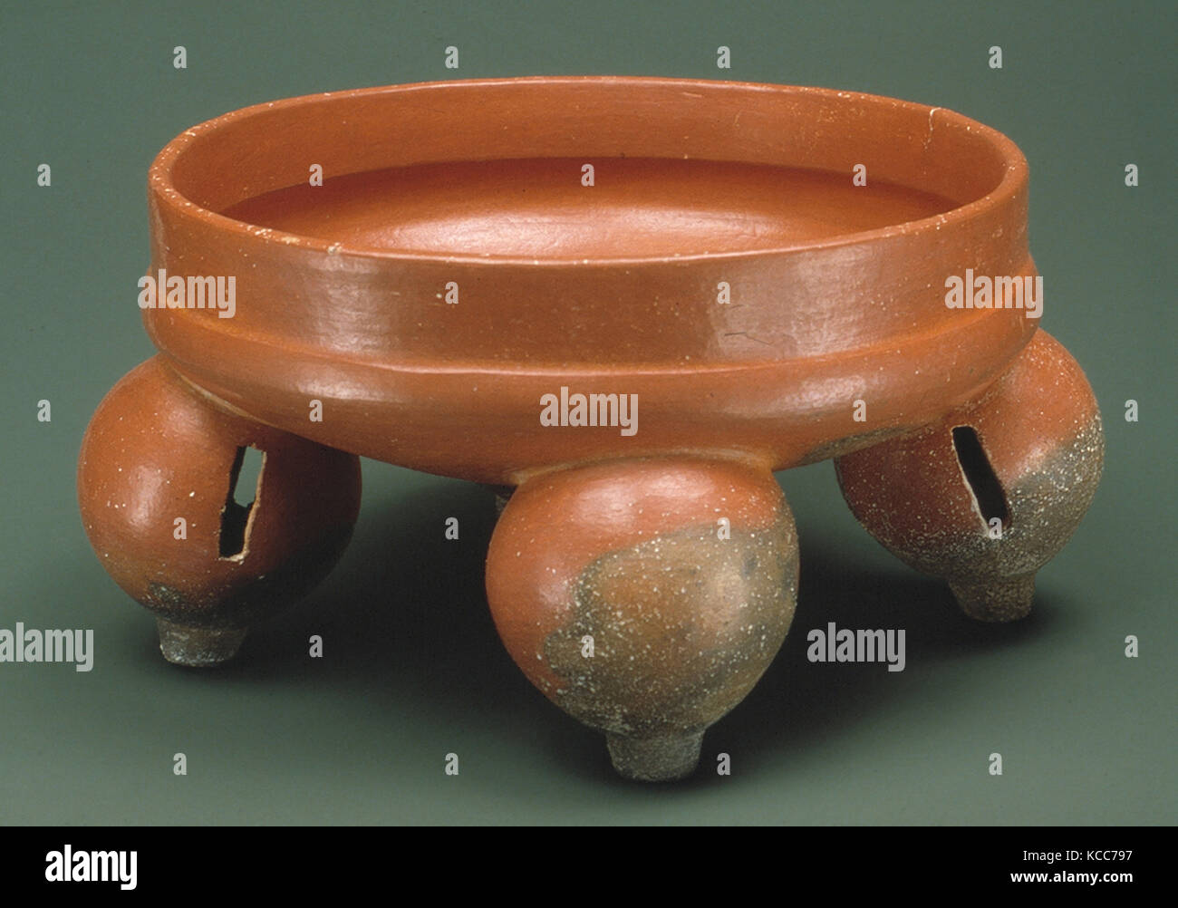 Tetrapod Bowl, 1st–4th century, Guatemala, Mesoamerica, Maya, Ceramic, H. 5 1/2 in. (14 cm), Ceramics-Containers, - Stock Image