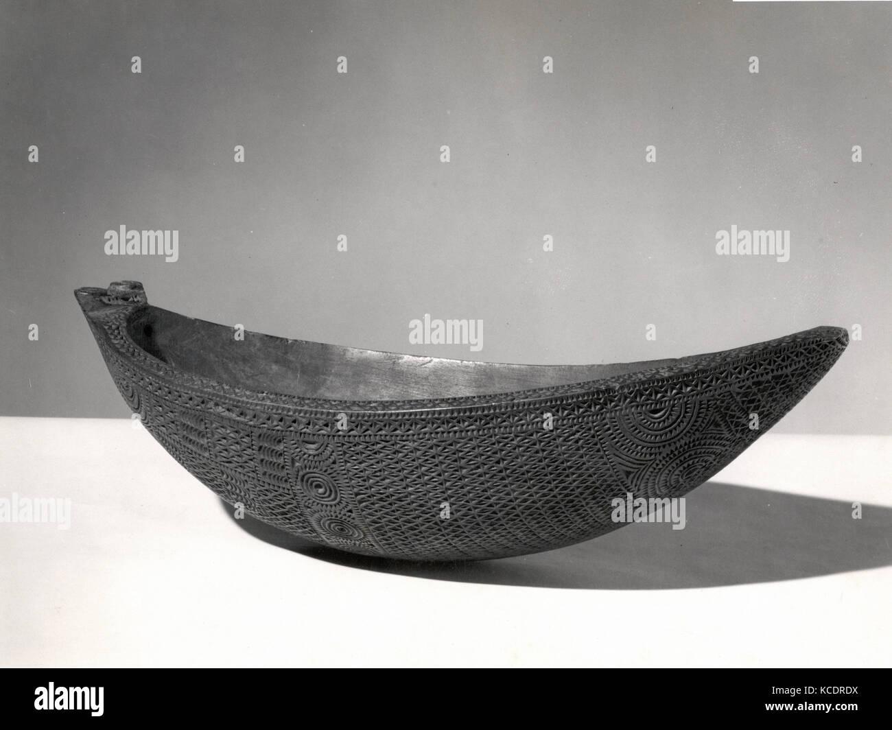 Bowl, ca. 1820–40, French Polynesia, Austral Islands, Austral Islanders, Wood, H. 4 5/16 x W. 6 1/2 x D. 13 1/8 - Stock Image