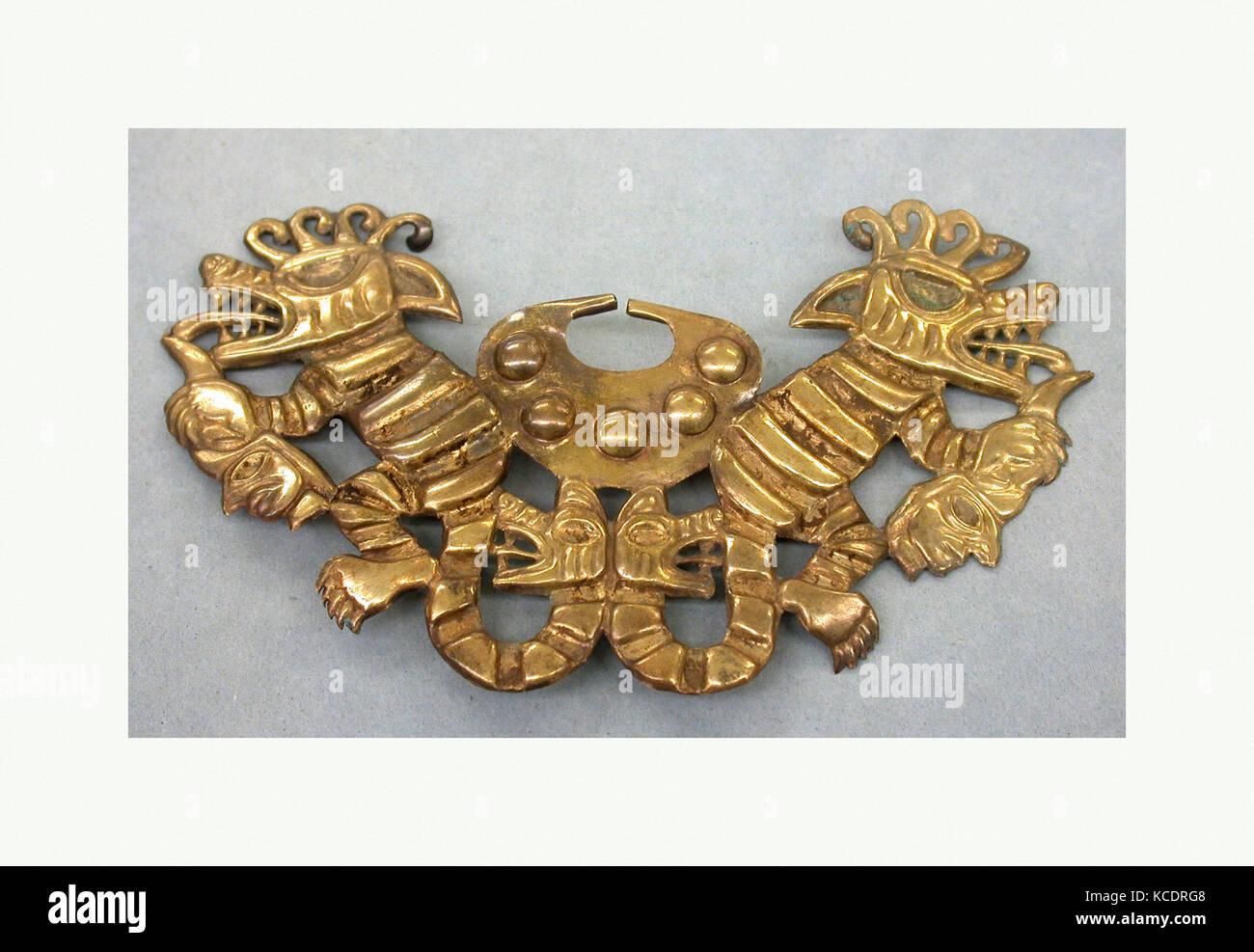 Nose Ornament, 390–450, Peru, Moche (Loma Negra), Gold, H. 2 5/8 x W. 4 1/4 x D. 1/2 in. (6.7 x 10.8 x 1.3 cm), - Stock Image