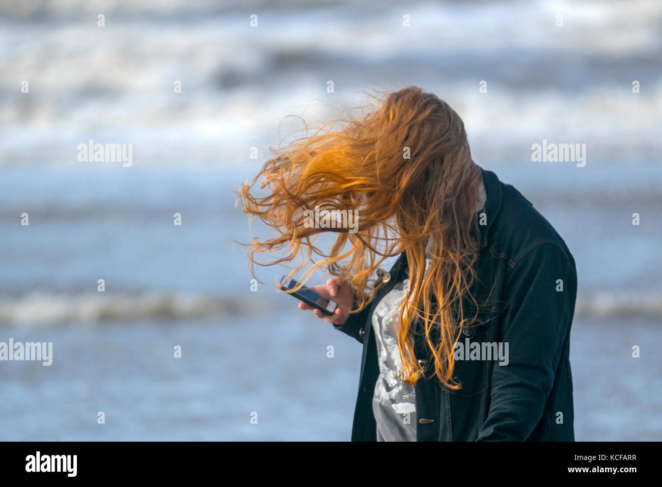 Crosby, Merseyside.  UK Weather.  5th October 2017. High winds blowing fine light sands off the Beach as gales continue - Stock Image