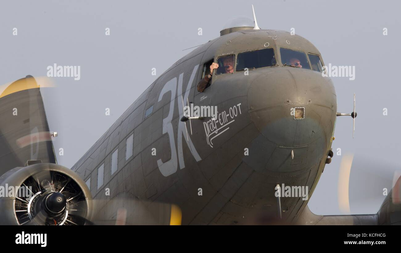 Douglas C-47 Skytrain 'Drag-em-oot' at Duxford 2017 Battle of Britain air show - Stock Image