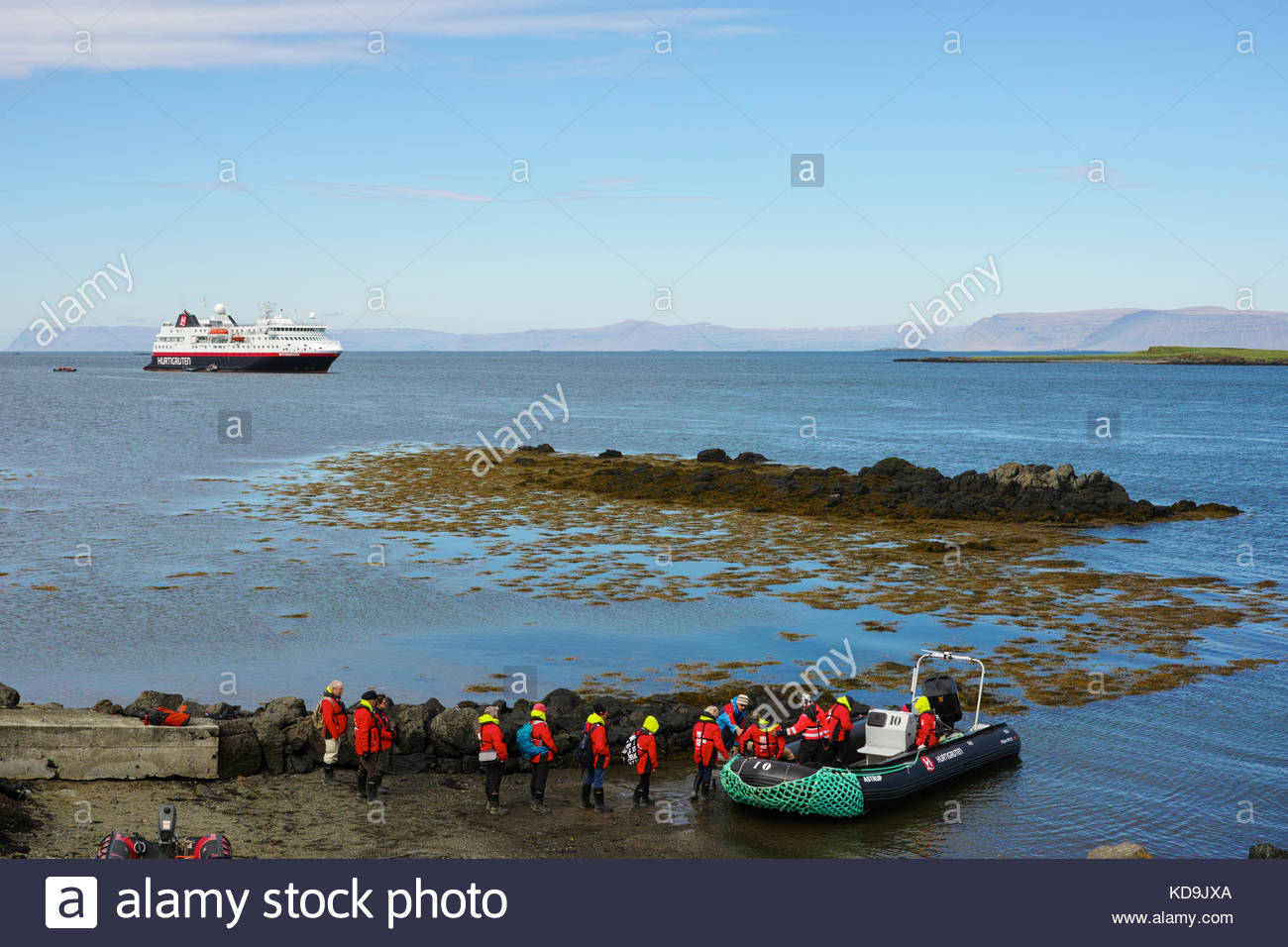 people-boarding-the-tender-boat-to-return-from-flatey-island-to-the-KD9JXA.jpg