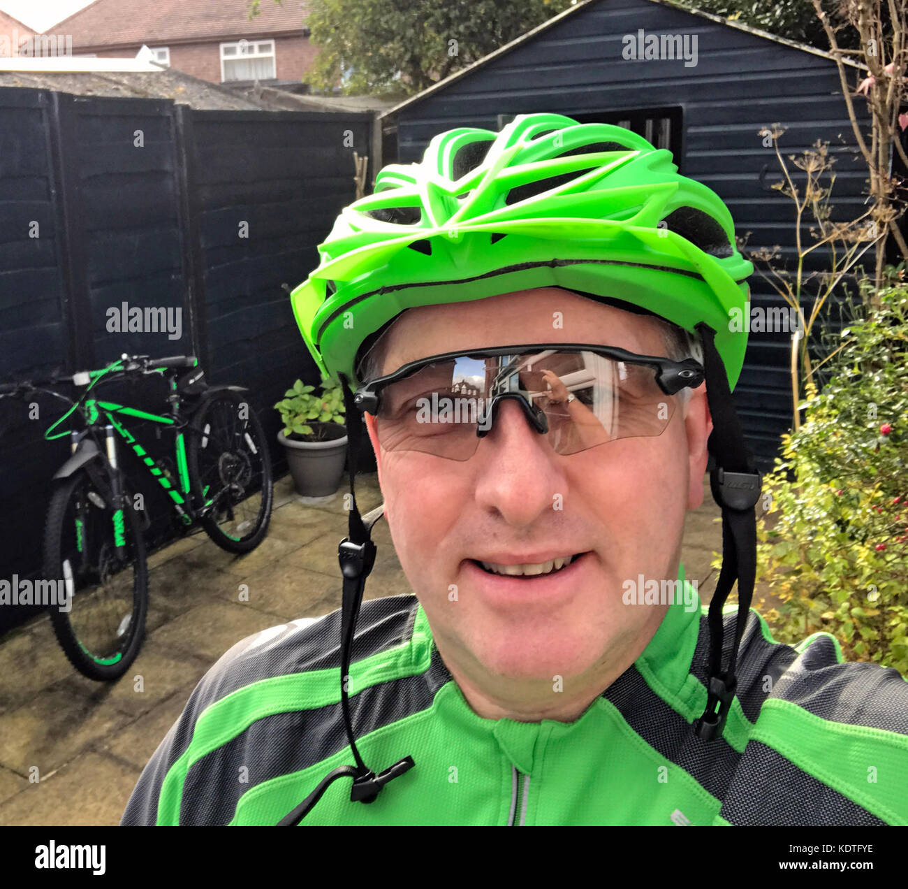 gotonysmith,Cyclist,in,green,with,Scott,29er,Bike,biker,green,950,scale,helmet,man,male,sunglasses,healthy,health,in garden,in,garden,smile,smiling,fit,fitness,black and green,black,lycra,29er,29,29inch,MTB,Mountain Bike,rider,ride,selfie,portrait