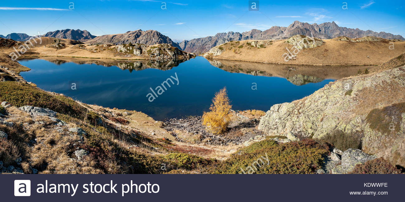 lac-noir-black-lake-at-lalpe-dhuez-in-oi