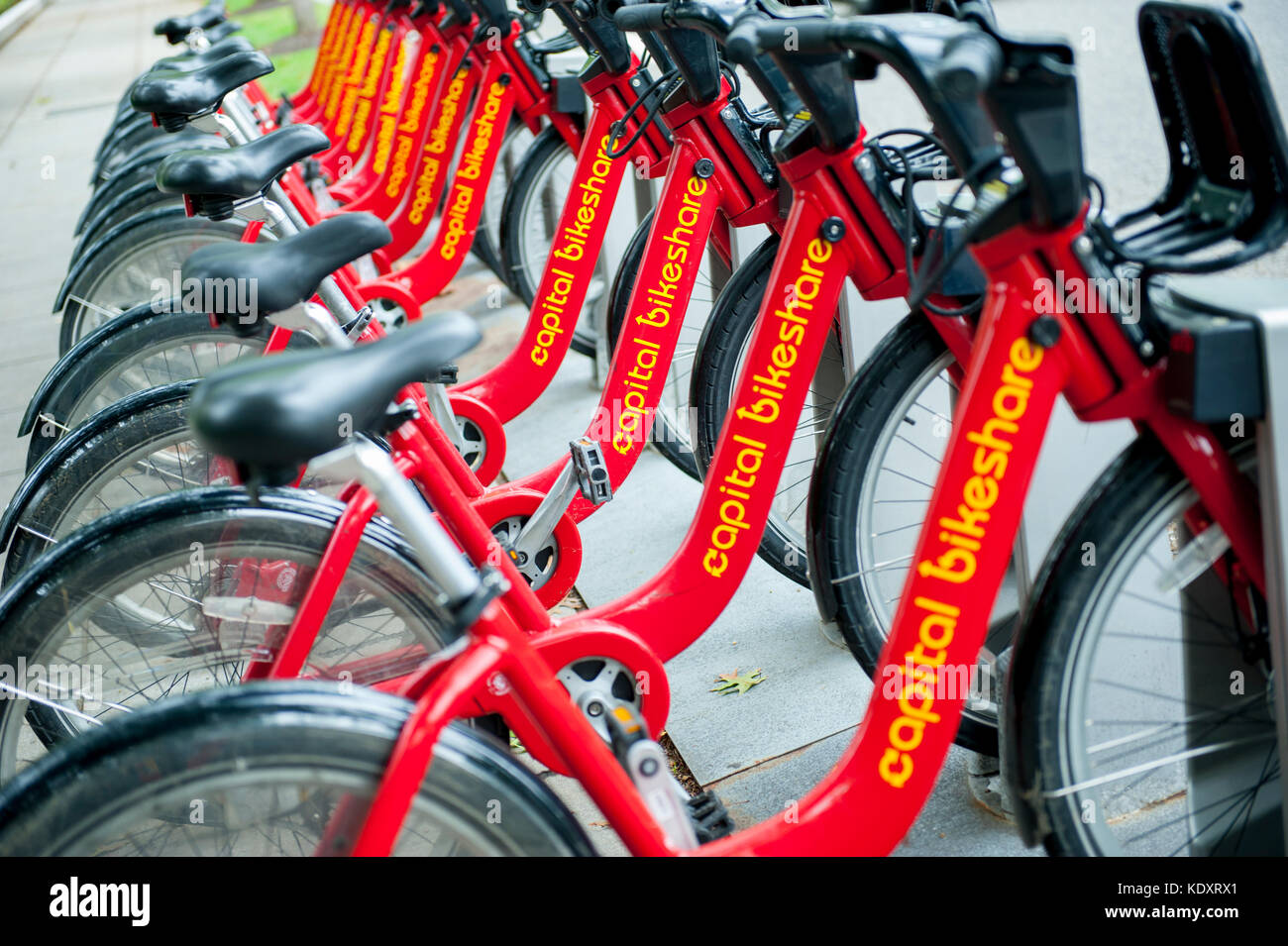usa-wasington-dc-dc-capitol-bikeshare-rental-bicycles-in-the-nations-KDXRX1.jpg