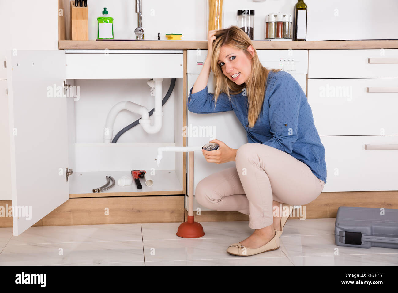 How To Fix The Kitchen Sink Clogging