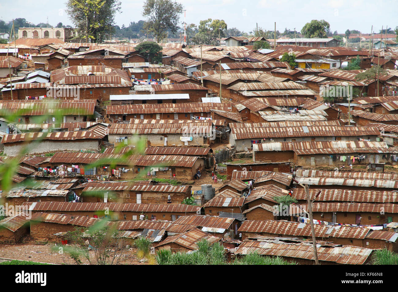 Living in the Kenya Slum Aerias - The rusted roofs of Kibera Slum, Mairobi Kenya - Stock Image
