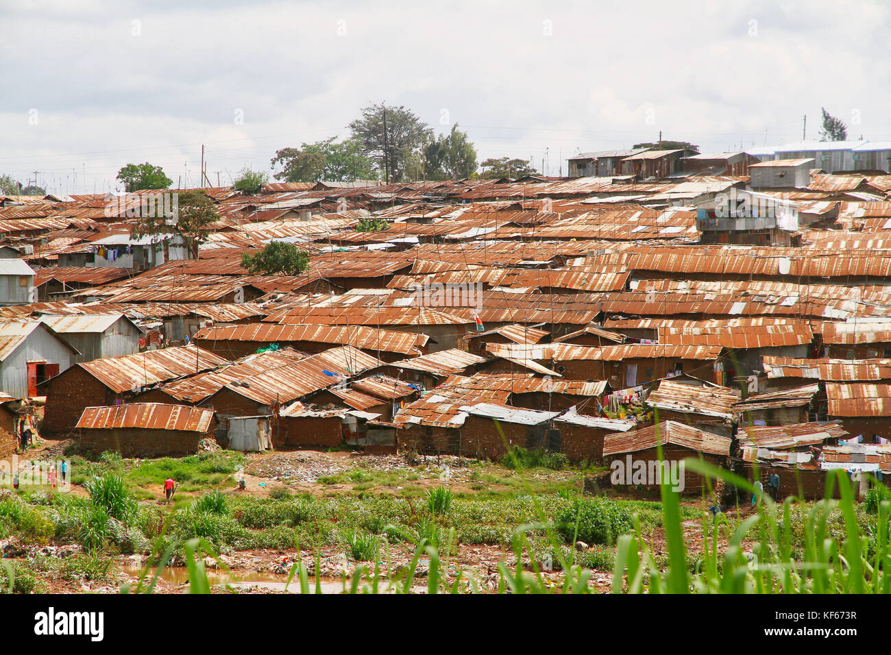 Living in the Kenya Slum Aerias - The rusted Roofs of Kibera Slum - Stock Image