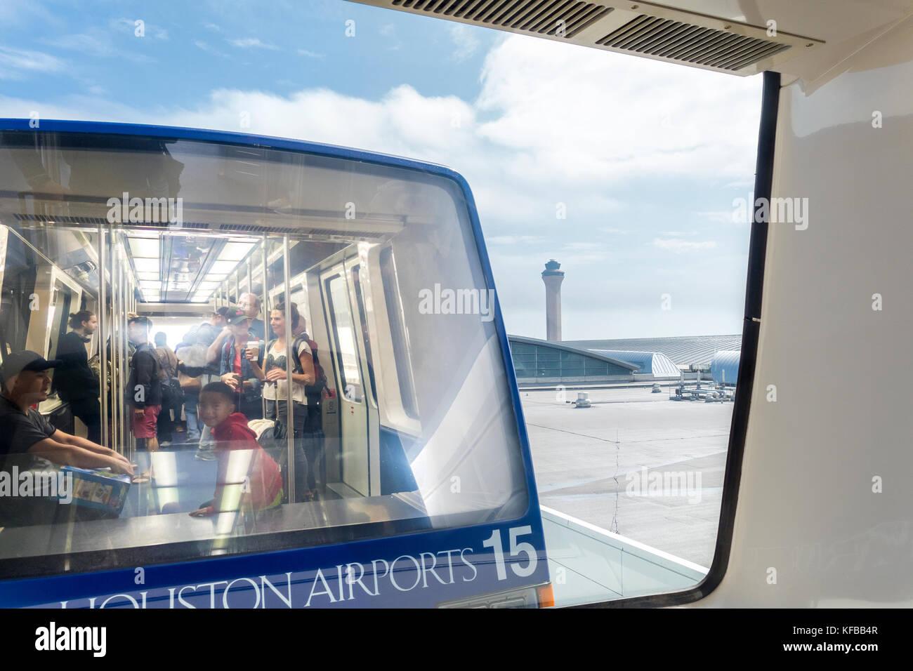 https://c7.alamy.com/comp/KFBB4R/houston-george-bush-intercontinental-airport-people-mover-train-and-KFBB4R.jpg