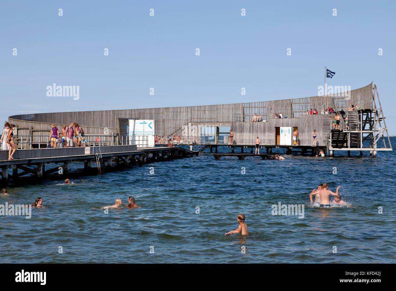 Kastrup Søbad, Sneglen, Kastrup Public Baths, the Snail, on Amager, Copenhagen.  Architect designed bathing - Stock Image